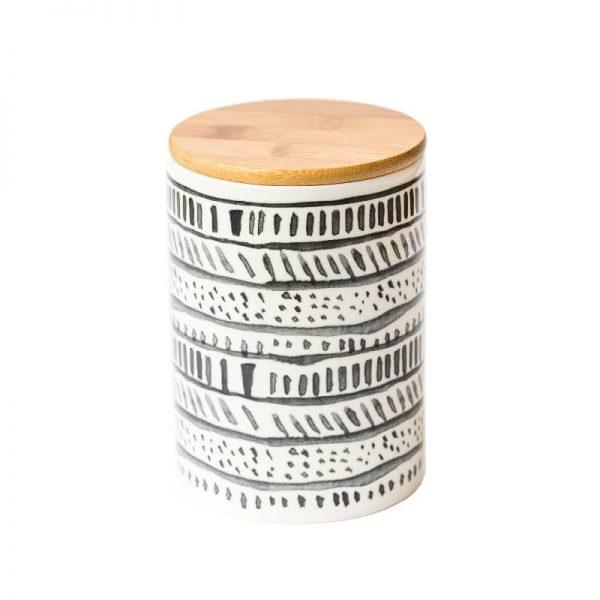 Буркан с бамбукова капачка за съхранение на продукти